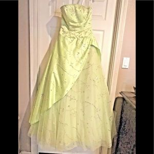 6 Tiffany Prom Homecoming Dance  Ball gown Dress
